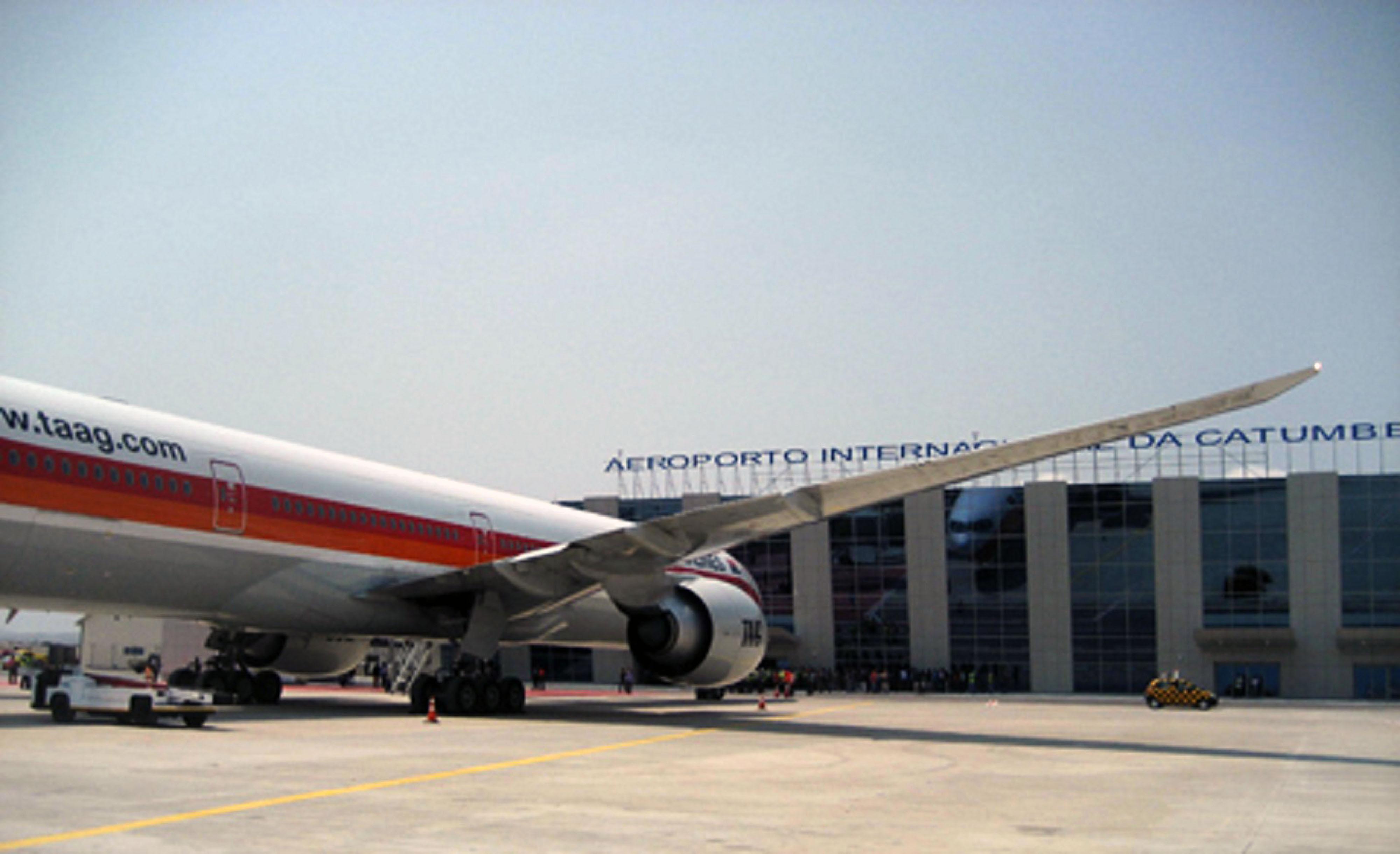 Aeroporto Dili : Https: newsavia.com newsavia 2014 01 30t10:52:19z https